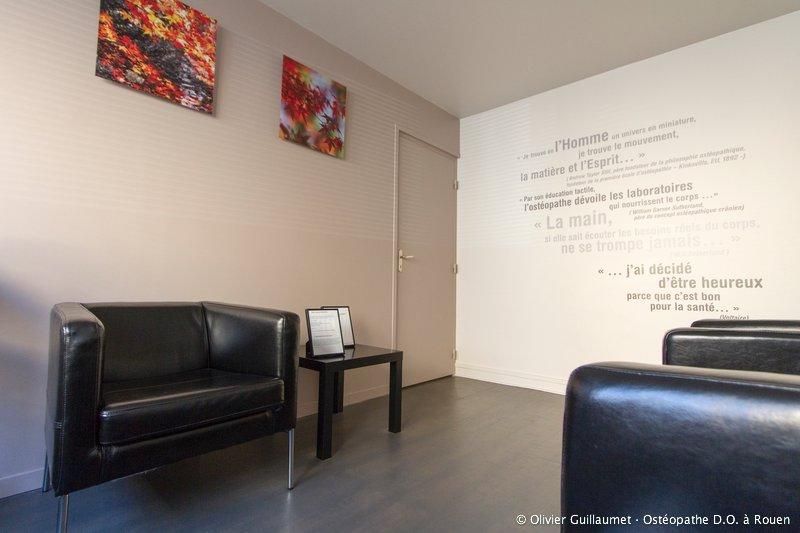 salle-d-attente-olivier-guillaumet-osteopathe-rouen_02